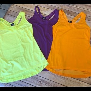 Lot 3 Nike tanks